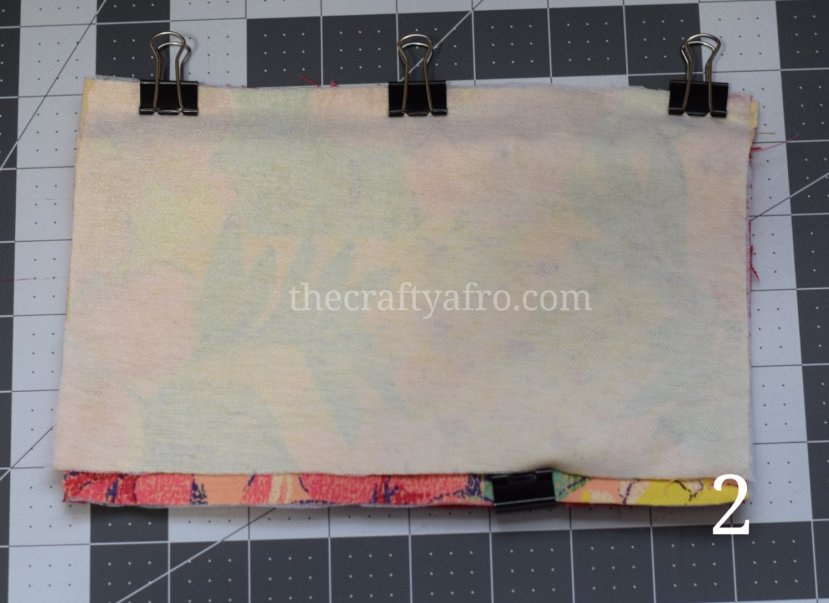 Second half of the inner and outer fabric are clipped to the zipper.