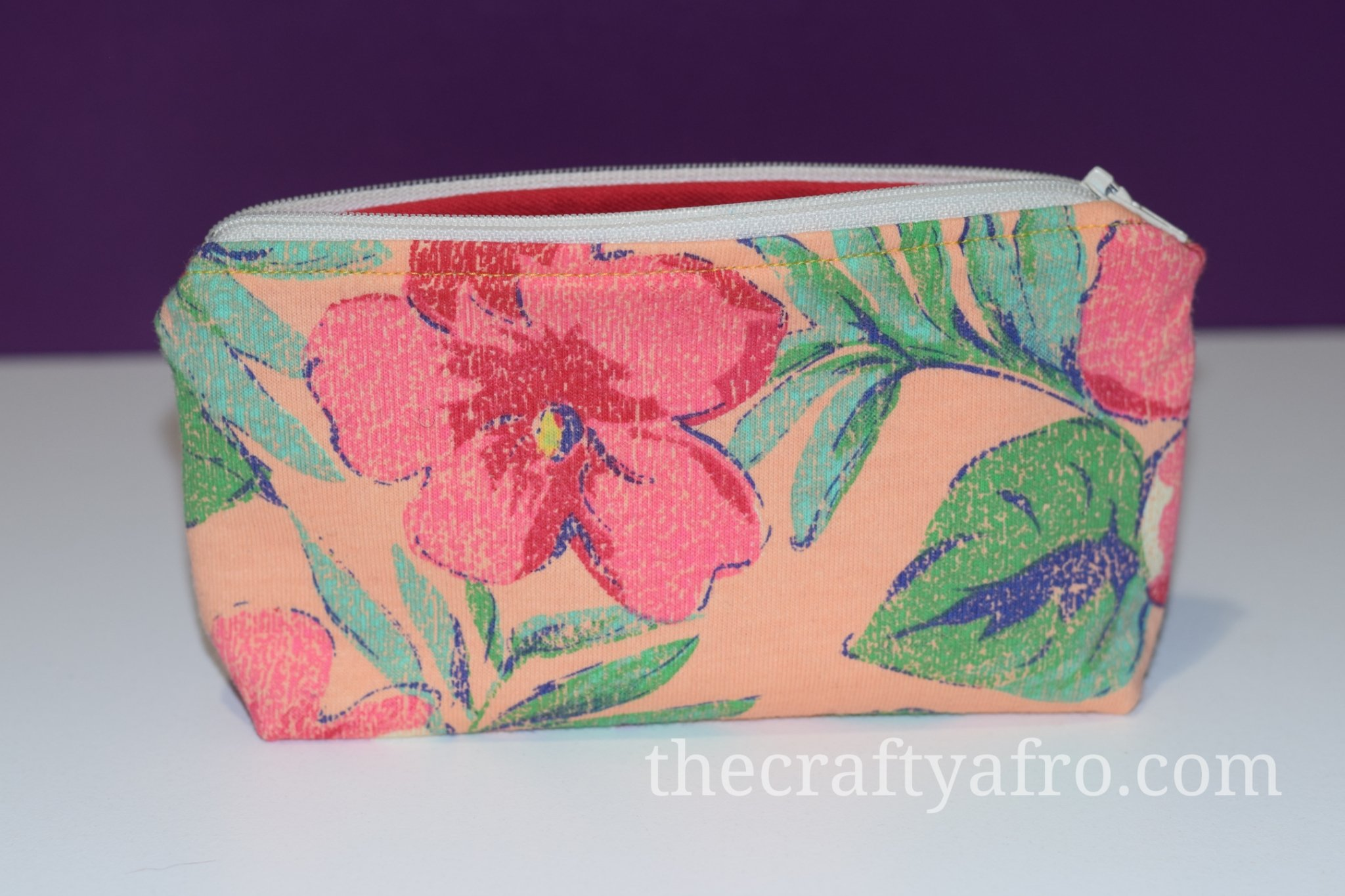 Flower theme zipper pouch