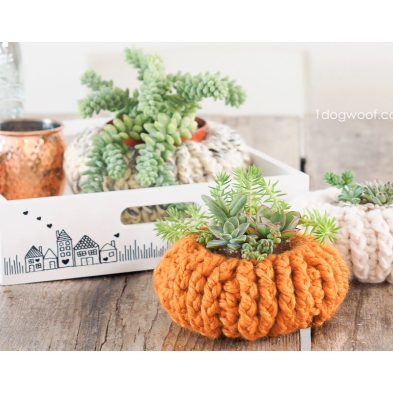 Crochet pumpkin planter